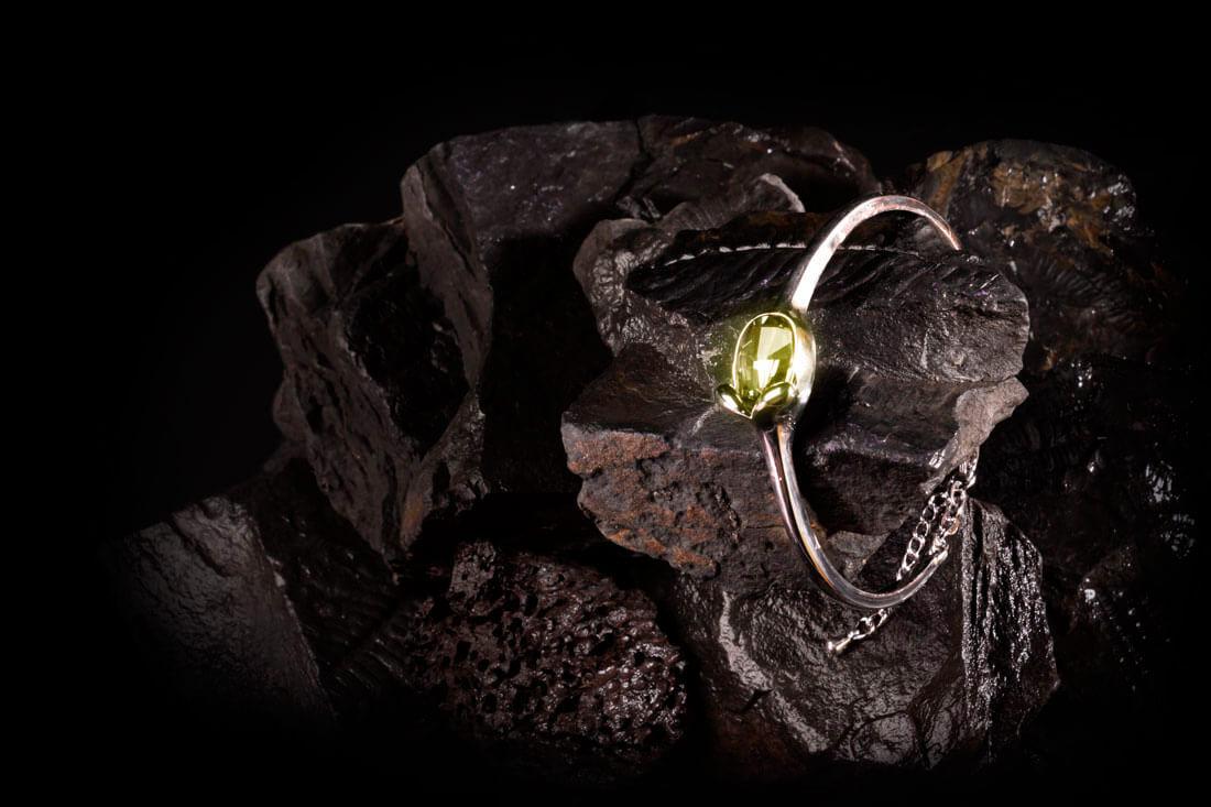 huggot-jewelry-ambar