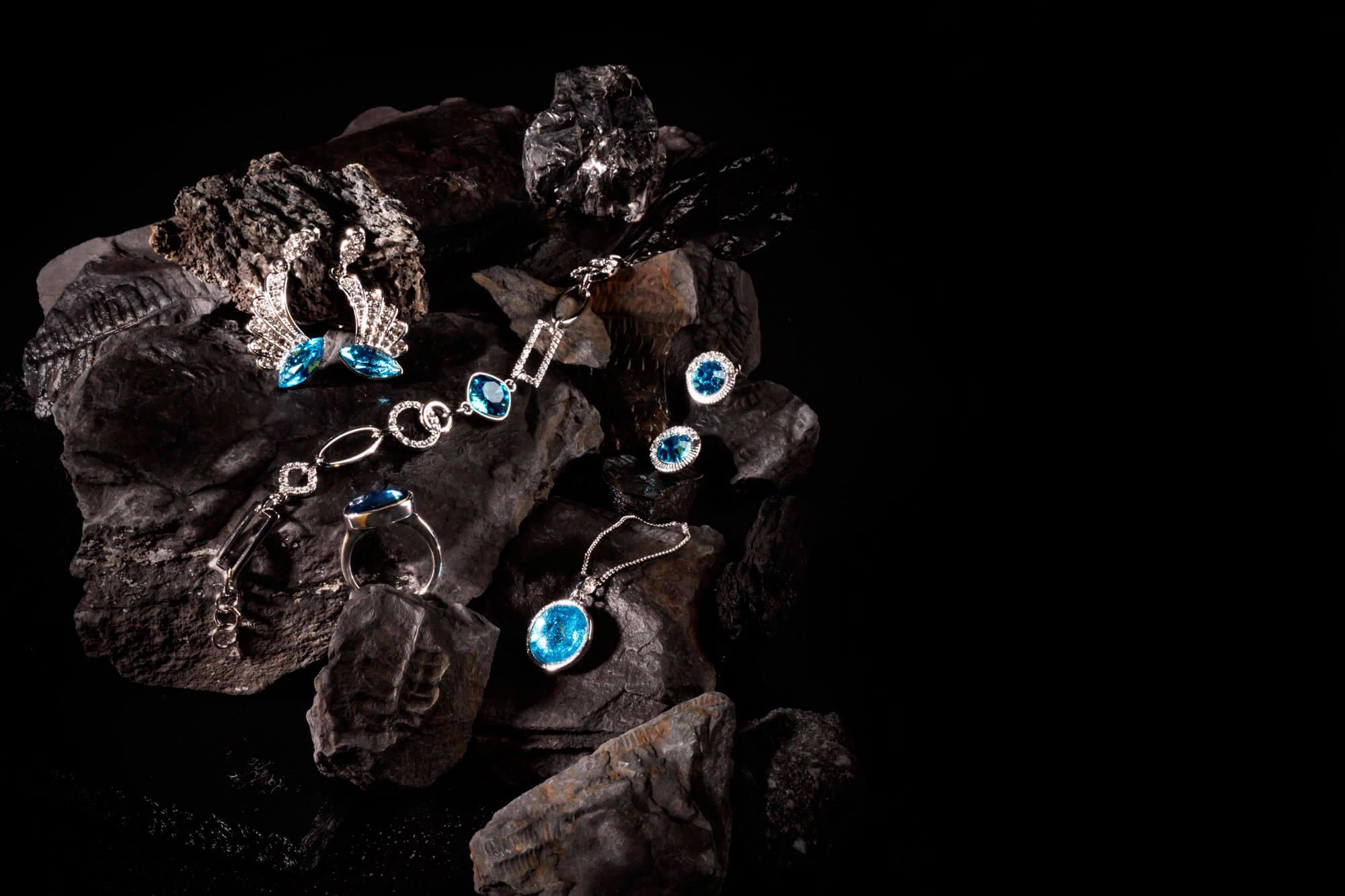 huggot-jewelry-blue